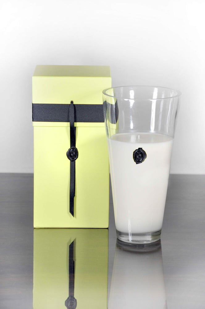 "Image of 14"" Vestacha International Candle $98.00"