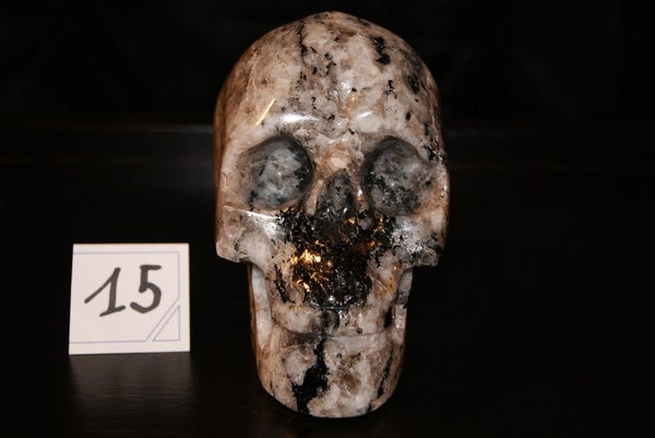 Image of Crâne de Labradorite Blanche 1,510 Kg