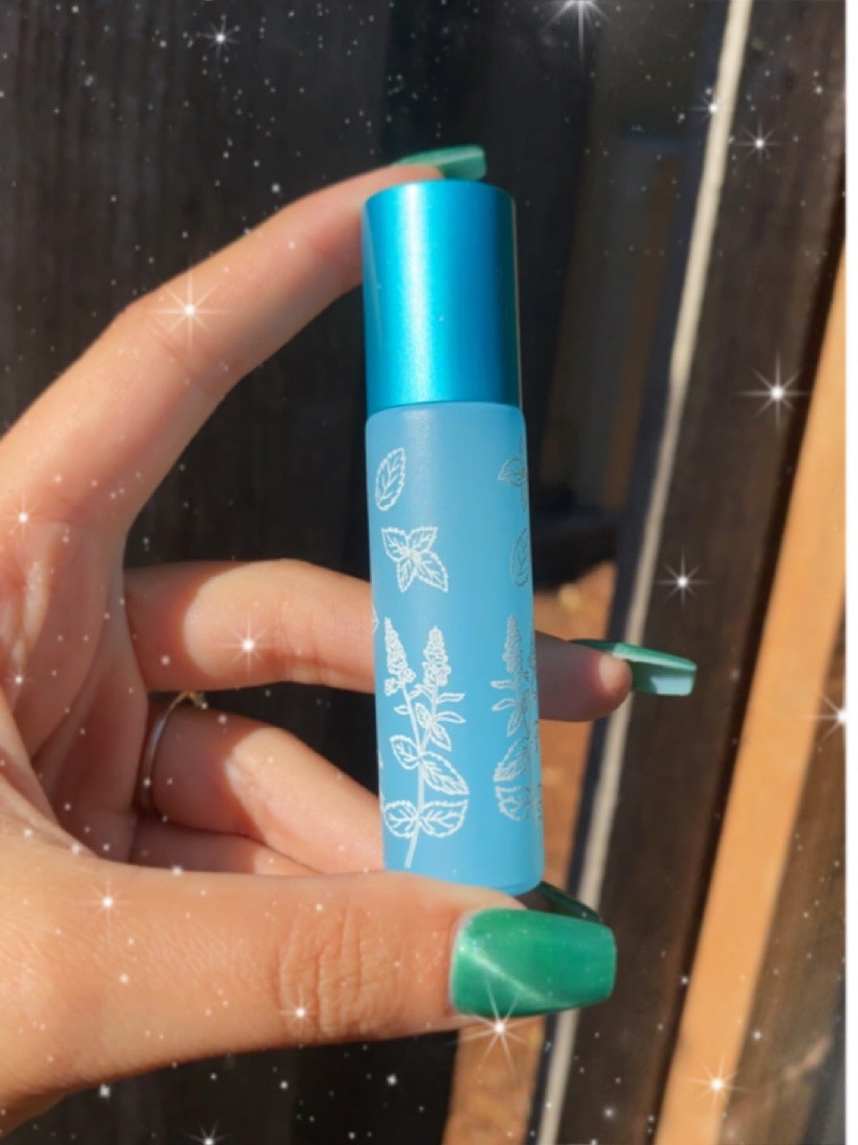 Image of sweet + spiced peppermint oil roller