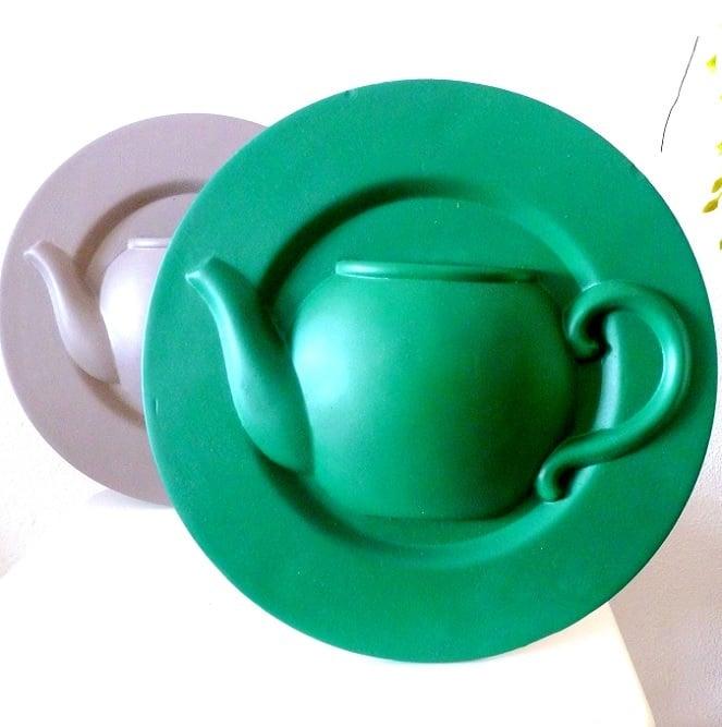 Image of porcelain teapot display