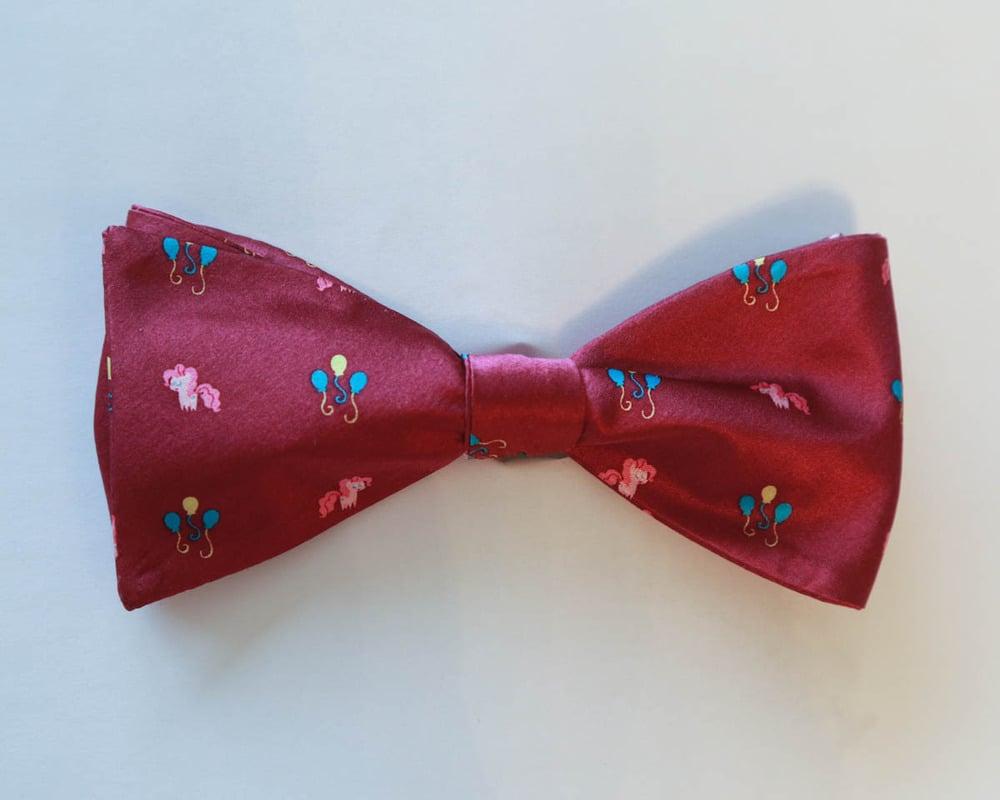 Pinkiebow Tie