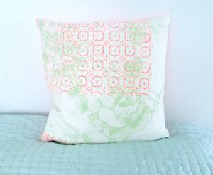Image of Cushioncover - Neonorange Flowerprint