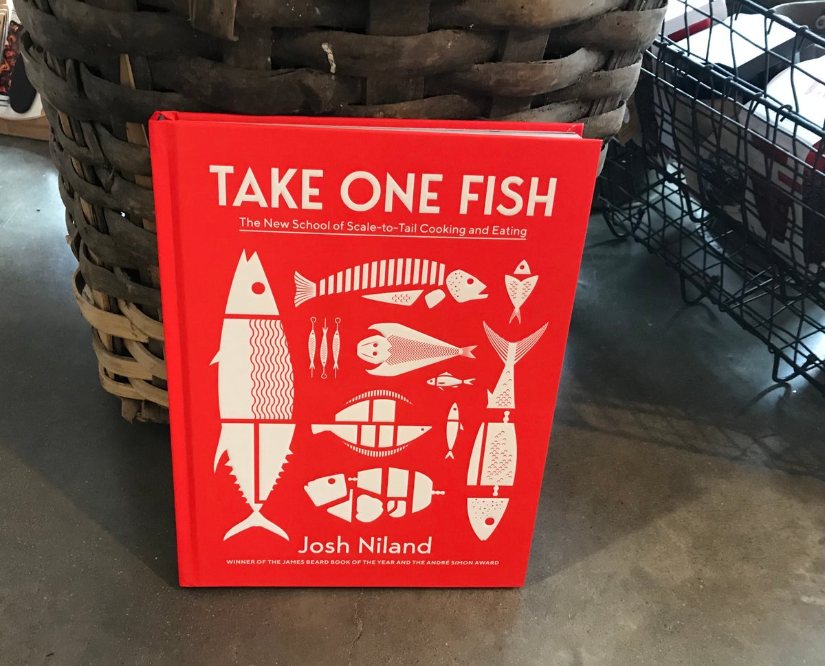 Take One Fish: The New School of Scale to Tail Cooking and Eating - Josh Niland .