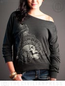 Image of 80s Long Sleeve Feathered Skull