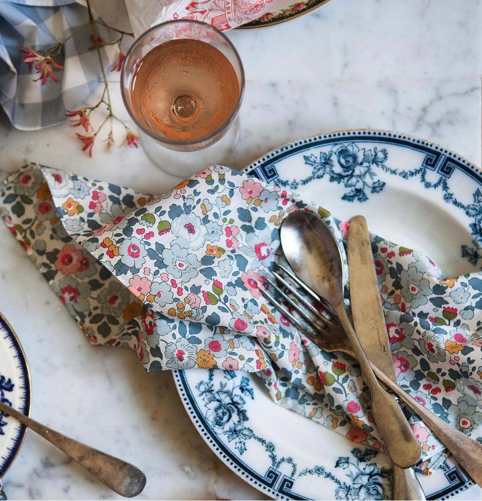 Image of Betsy Primrose Napkin Set
