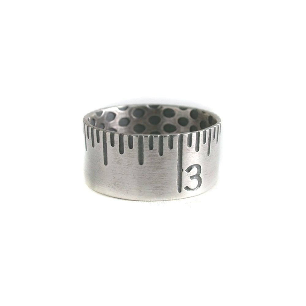 Image of ruler ring