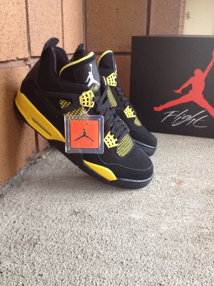Image of Air Jordan 4 Retro - Thunder - size 10