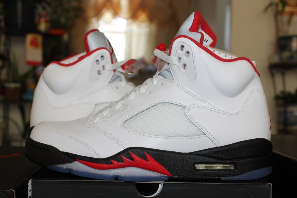 official photos 3a625 6666d Nike Air Jordan V