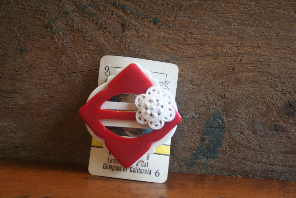 Image of Vintage buckle and button brooch - red and white
