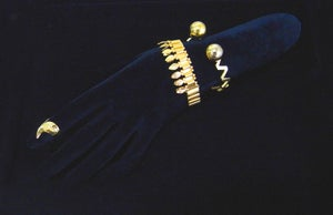 "Image of Library Brass ""The Queen"" bracelet-without crystal 簡版皇后手環"