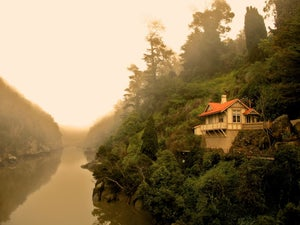 Image of Cataract Gorge cottage Launceston Tasmania - photo block - 022/2013