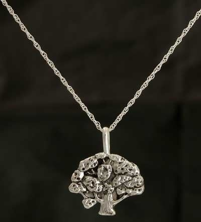 Image of Alumnae Council Oak Tree Charm