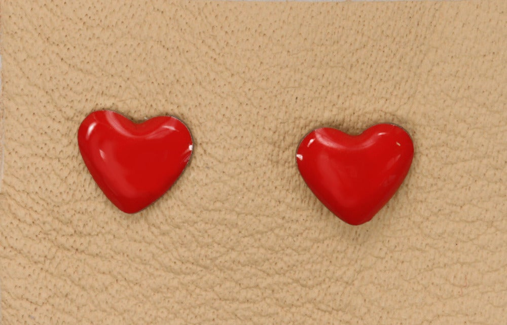 Image of VINTAGE HEART stud earrings