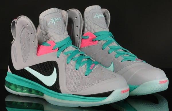 best sneakers 2f668 b79b2 Lebron South Beach 9
