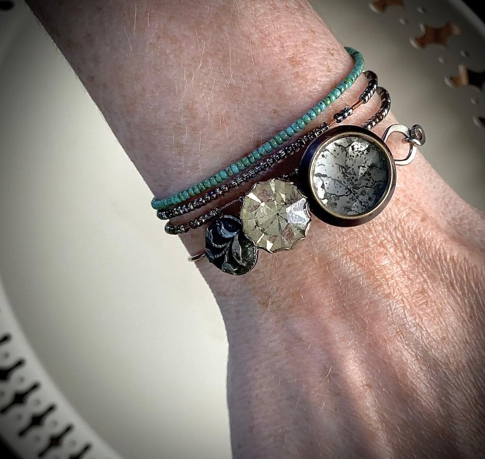 "Image of ""Be Brave"" Vintage Button Bracelet"