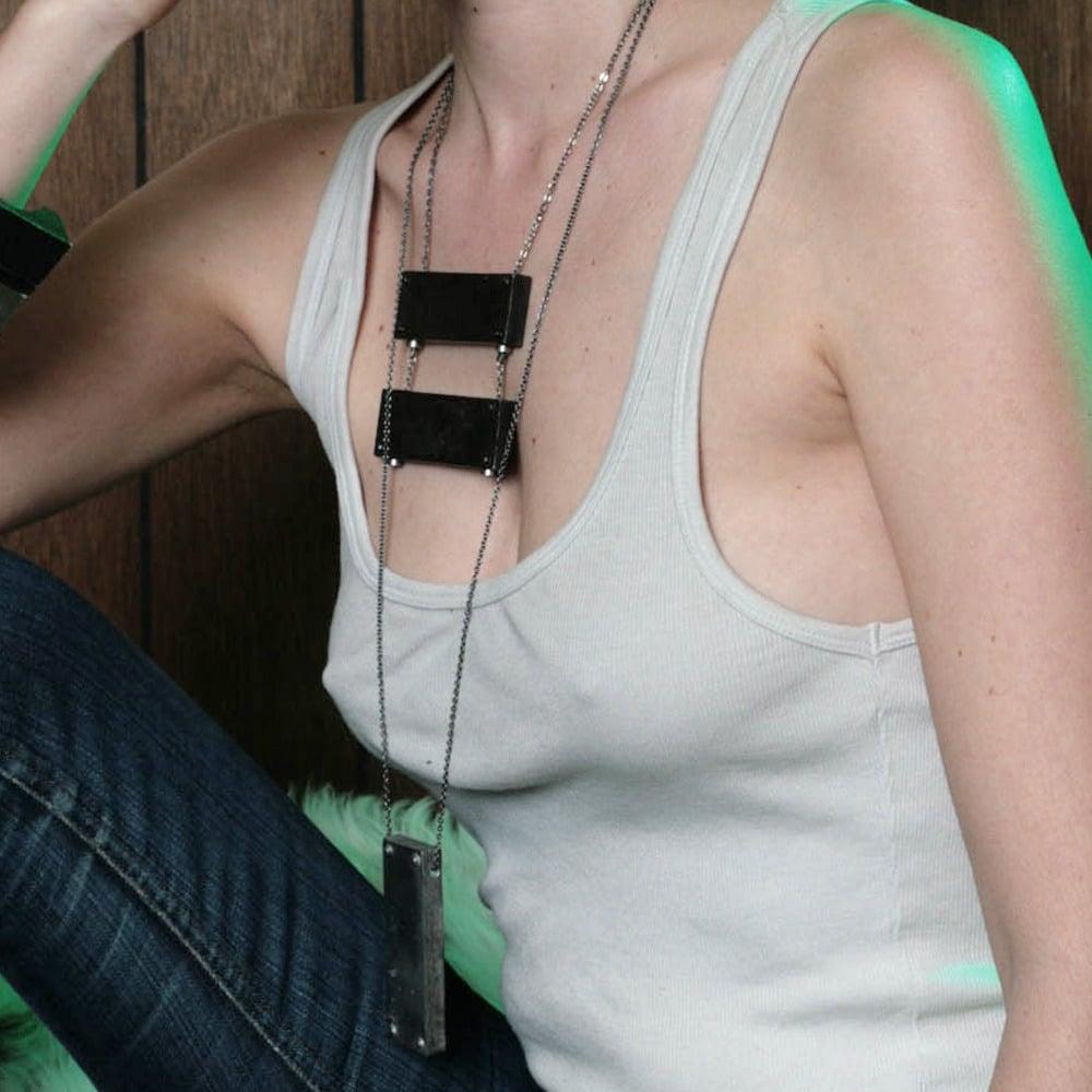 Image of medium vertical necklace