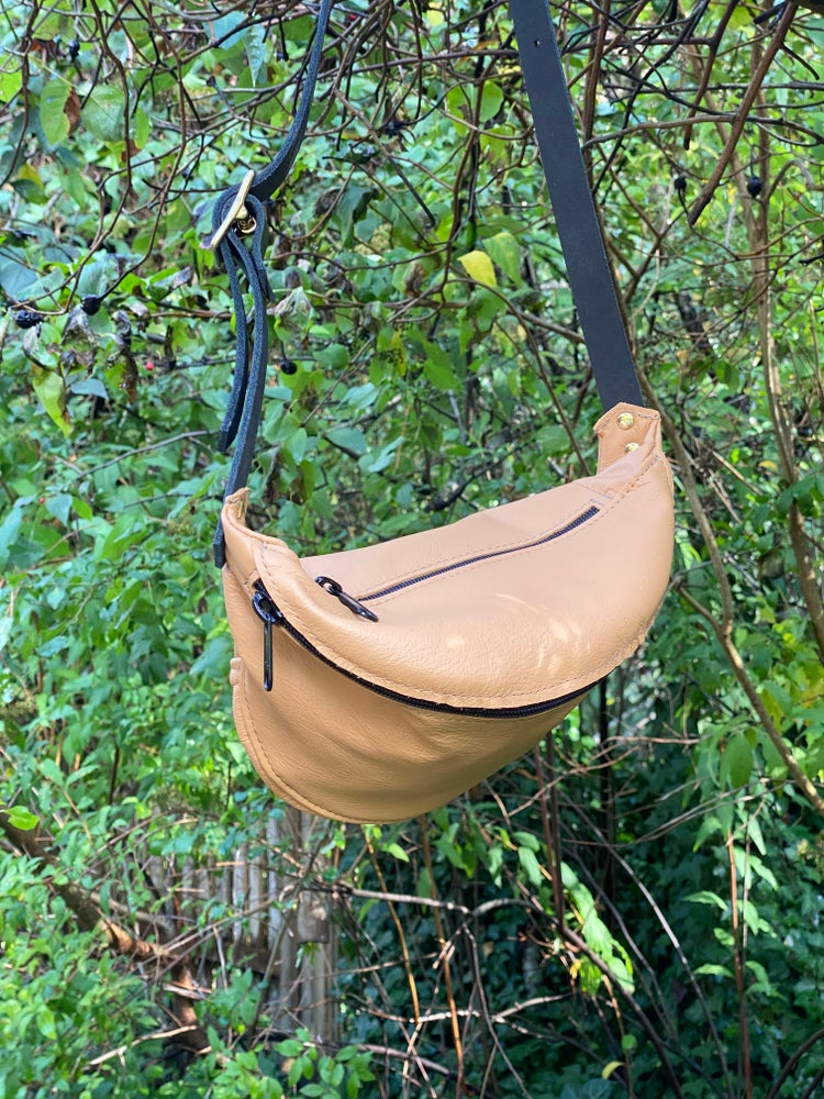 Image of #1722 Camel Fanny Pack