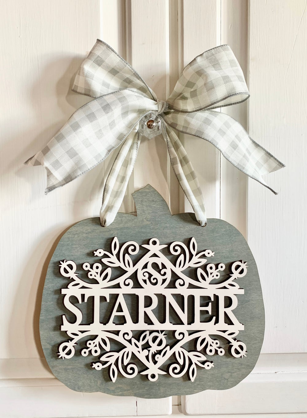 Image of Personalized Family Name Autumn Pumpkin Hanging Sign