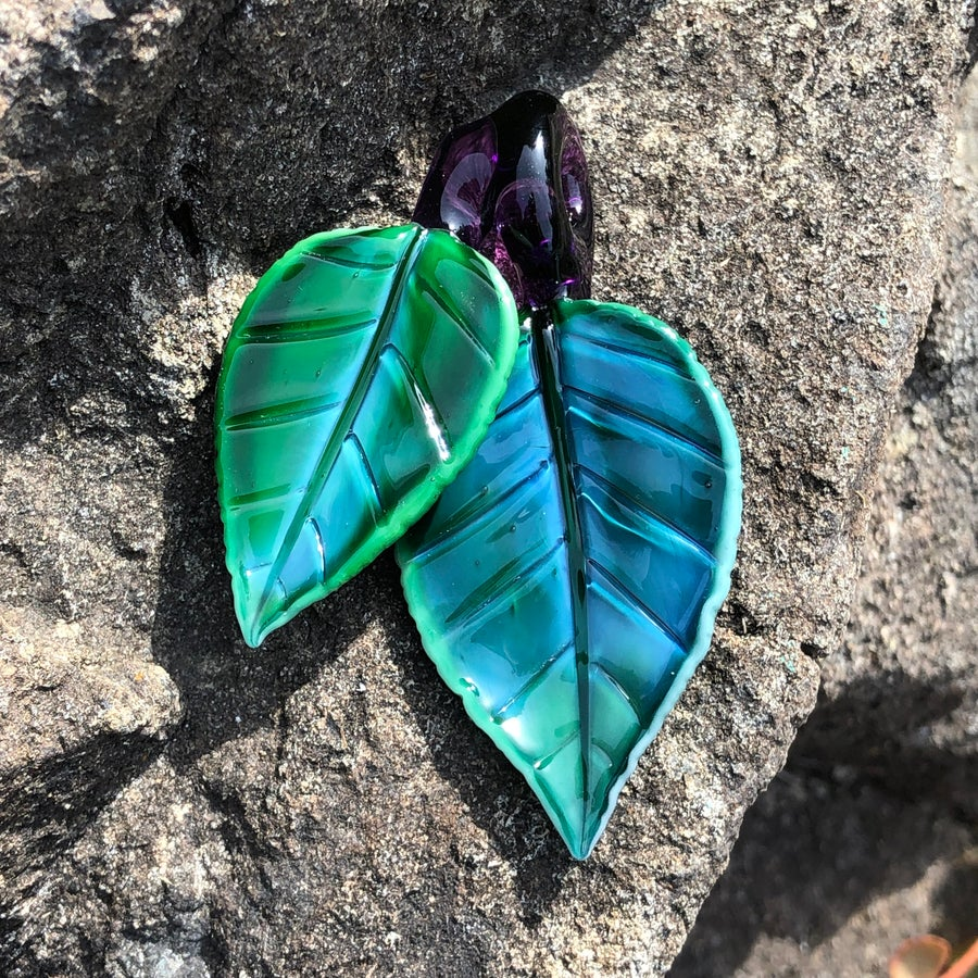 Image of Experimental Green Double Leaf Pendant