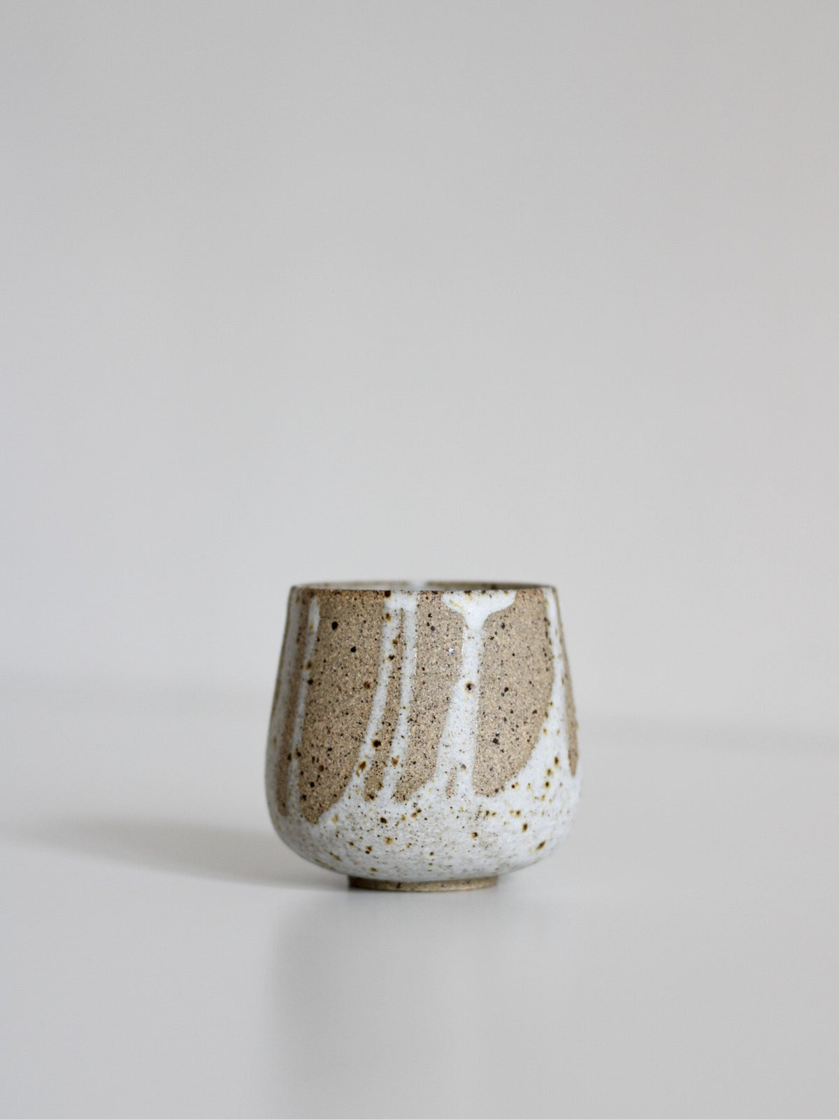 Image of cup (splashes)
