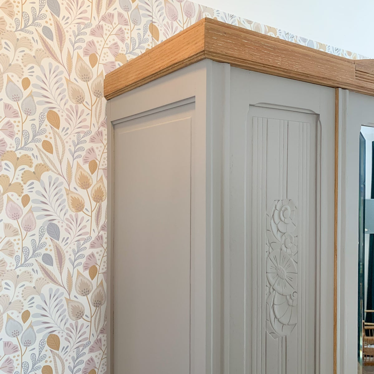 Image of Armoire Mellow