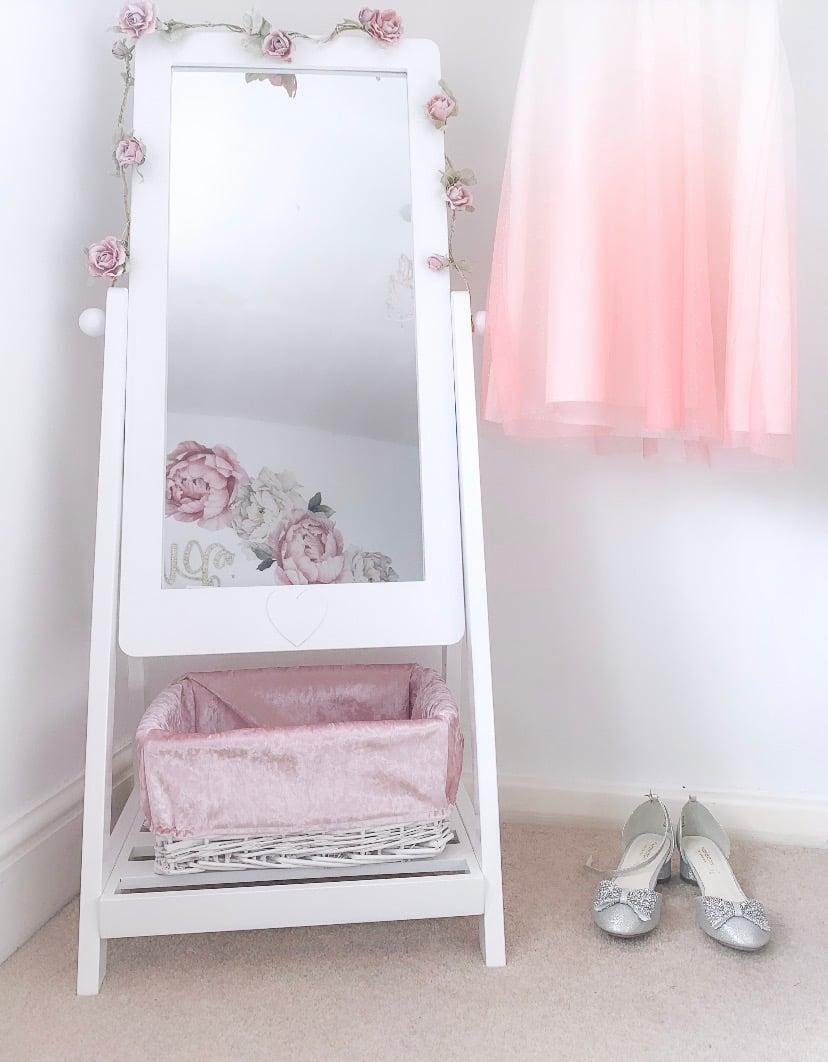 Image of Girls Heart Mirror & Basket