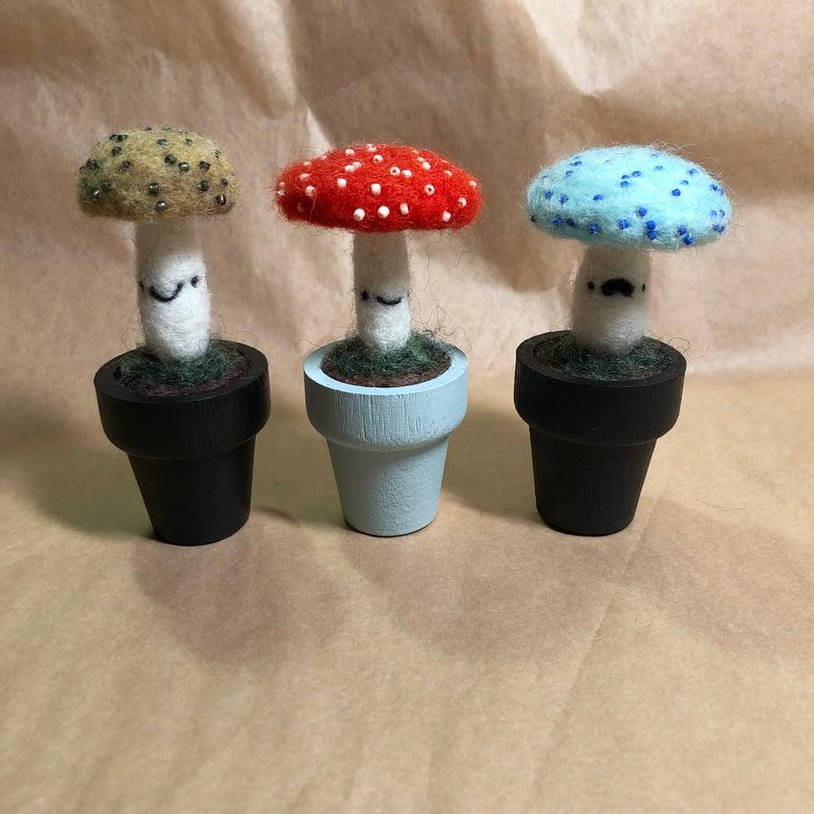 Image of beaded medium mushroom friends
