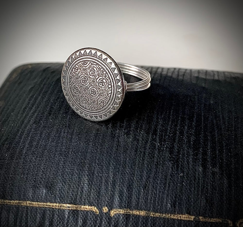 """Image of """"The Tapestry"""" Statement Button Ring"""