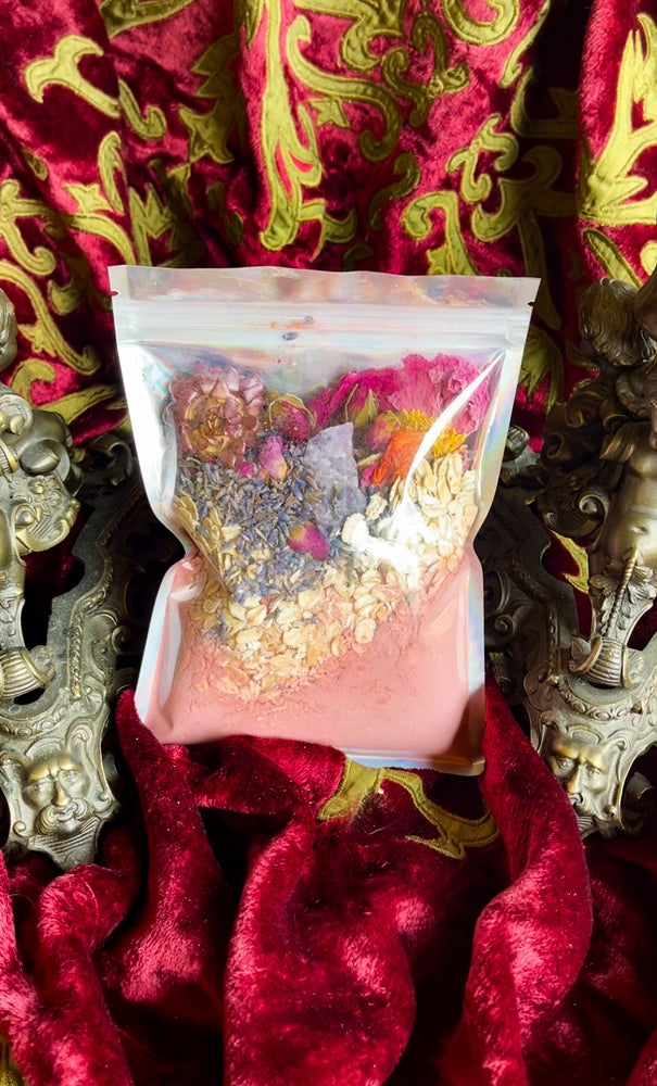 Image of Love Attraction Ritual Candle, Bath Salts & Spell Jars - Ancient Pathways And Traditions