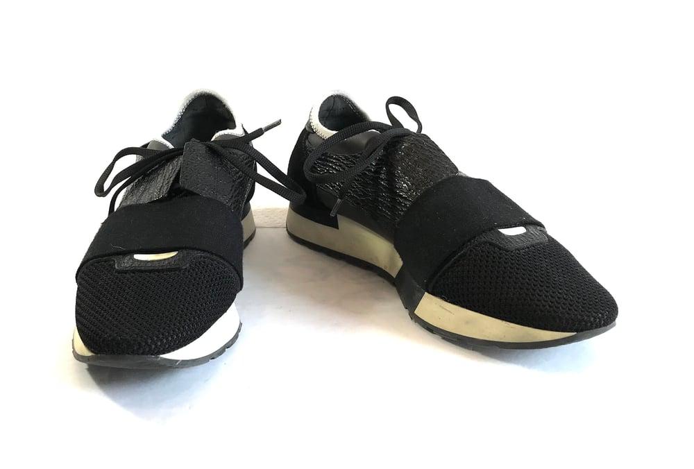 Image of Balenciaga Size 40 Sneakers 674-3709