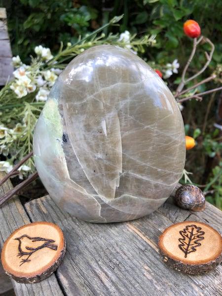 Image of Green Moonstone Standing Stone (1)n