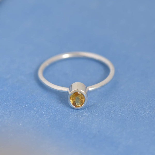 Image of Natural Honey Yellow Sapphire oval cut classic silver ring