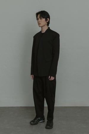 Image of TRAN - 經典雙褶西裝褲 (黑)